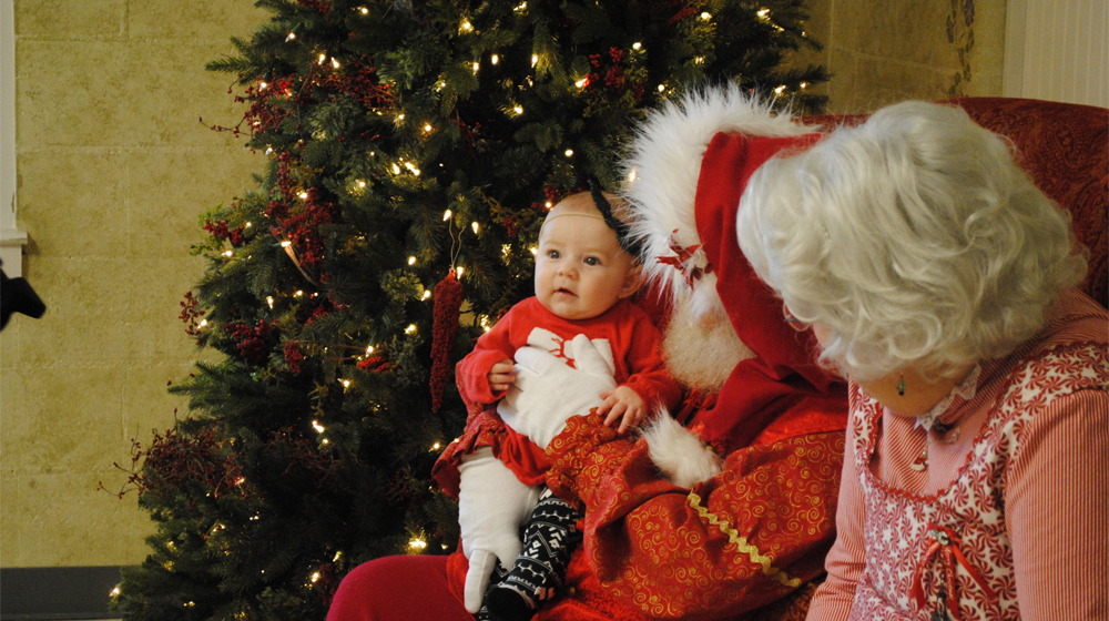 breakfast with santa take pictures with mr and mrs claus and enjoy all you can eat pancakes donut holes and sausage links at the historic santa claus - Pictures With Santa Claus
